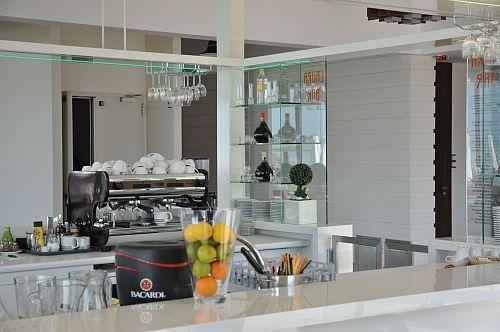 http://www.hoteltelnet.hu/img/hotel/113/n/club-siofok-hotel-lido-bar.jpg