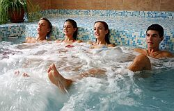 Last minute holiday in Aranyhomok hotel in Kecskemet - Wellness hotel - 4 star hotel Aranyhomok jacuzzi