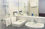 Hotel Club Tihany - standard bathroom - holiday club at Lake Balaton