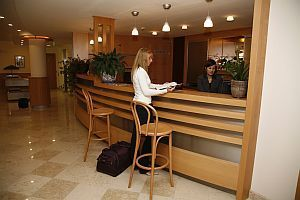 Conference hotel in centre of Budapest - Reception of Jagello Business Hotel - Green Belt Hotels Budapest Buda Hills