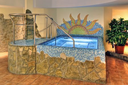 Hotel Mediterran Budapest -cheap hotel in Budapest with jacuzzi near to the Congress Centre