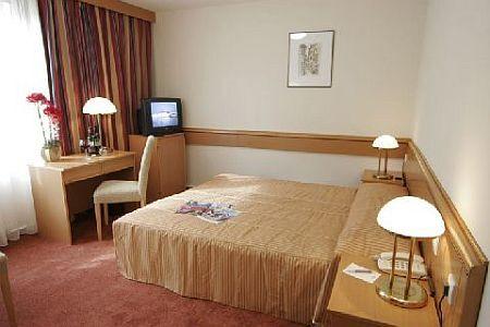 Chambre d 39 h tel aux prix last minute dans l 39 hotel mercure budapest city center - Chambre hotel derniere minute ...