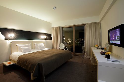 la chambre double l gante et moderne l 39 h tel design lanchid 19 budapest h tels 4 toiles. Black Bedroom Furniture Sets. Home Design Ideas