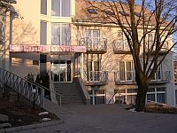 Hotel Pontis - 3-star hotel in Biatorbagy - hotel with swimming pool