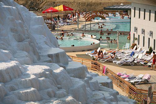 Saliris spa termale e benessere hotel grandi piscine all 39 aperto - Hotel con piscine termali all aperto ...