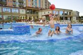 Outdoor pool in Hotel Karos Spa - wellness weekend in Zalakaros