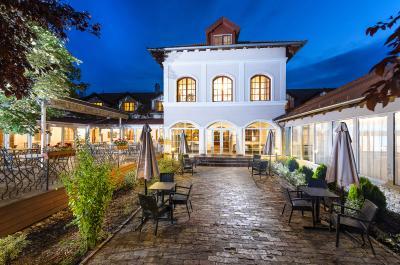 Hotelul romantic și elegant din Inarcs cu servicii de wellness