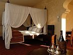 Meses Shiraz Hotel in Egerszalok with discount package offers for a romantic weekend