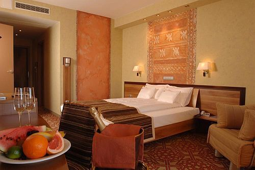 Hôtel Shiraz en Hongrie, Egerszalok dans le style africain - la ...