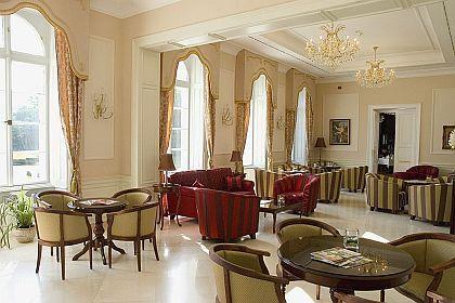 La Contessa Castle Hotel 4* elegantes Schlosshotel im Szalajka-Tal