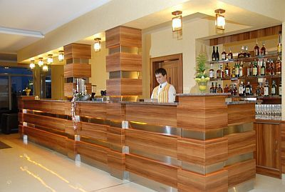 Receptionen i Aqua Spa Wellness Hotell Cserkeszolo