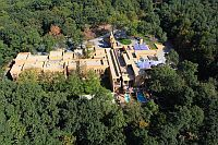 Hotel Bambara - African style four-star hotel in Felsotarkany in the Bukk mountains with wellness services