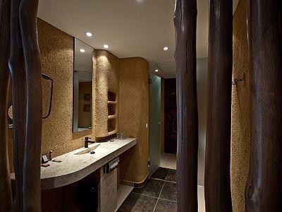 Luxe Badkamer Hotel : Luxe badkamer in afrikaanse stijl in het wellness en