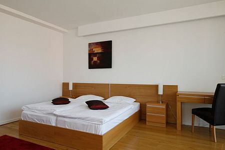 Budget apartment of BL Bavaria Yachtclub with special price offers - panoramic view on the sunsets at the lake Balaton