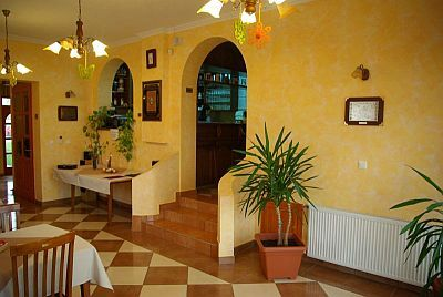 Royal Pension Cserkeszolo - accommodation in the vicinity of the thermal and wellness bath at discount prices