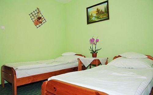 Habitacion doble en precio rebajado en el hotel fodor gyula for Precio habitacion hotel