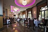 The restaurant of Grand Hotel Glorius in a beautiful surrounding