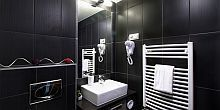 Hotel Auris in the centre of Szeged with modern bathroom