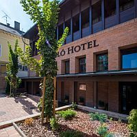 Komló Hotel Gyula - discount packages with half board in Gyula, near the Castle