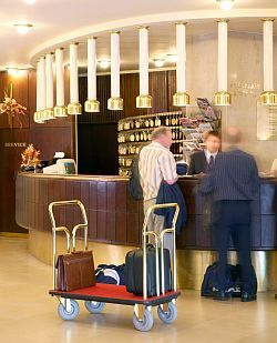 Reception of Hotel Budapest in Hungary - Budapest Centre Hotels Hungary - Danubius hotel Budapest