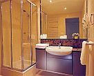 5 star city hotel Budapest - Adina apartment hotel - bath