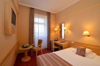 Hotel Palatinus in the center of Pecs with discount packages